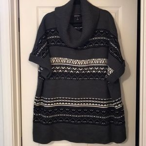 Fashion Bug black and gray sweater!  NWOT🎉